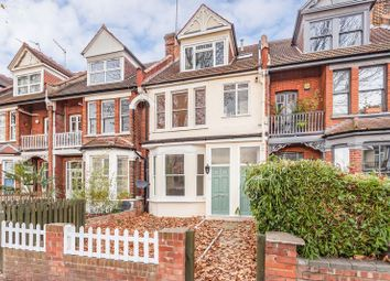 1 bed flat for sale in Priory Road, London N8