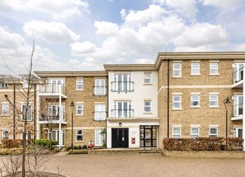 Dyas Road, Sunbury-On-Thames TW16. 2 bed flat for sale