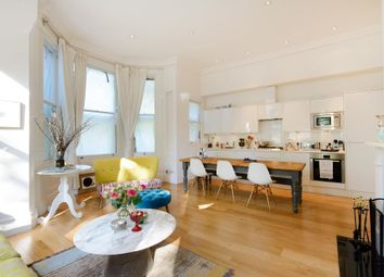 Thumbnail 2 bed flat to rent in Hampstead Lane, London