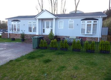 Thumbnail 2 bed mobile/park home for sale in Valley View, Pilgrims Retreat, Harrietsham, Kent