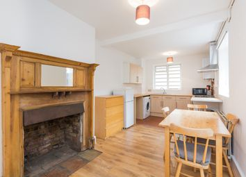 Thumbnail 1 bed flat to rent in Gifford Street, London