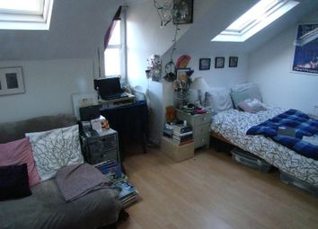 Thumbnail Studio to rent in Somerfield Road, Finsbury Park