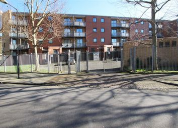 Thumbnail 1 bed flat to rent in Rich Street, London