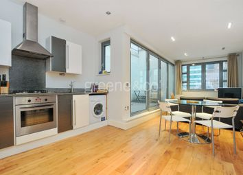 Thumbnail 2 bed flat to rent in Goswell Road, Old Street, London