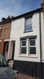 2 bed terraced house to rent in Castle Road, Chatham ME4