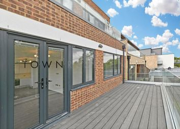 Thumbnail 3 bed flat to rent in Granville Road, Golders Green, London, 2Ld