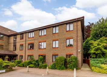 2 bed flat for sale in Primrose Court, Kings Road, Brentwood CM14