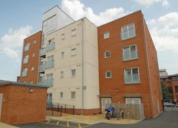 Thumbnail 1 bed flat to rent in Malcolm Place, Caversham Road, Reading