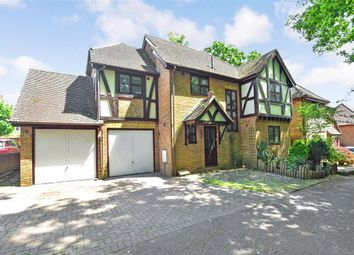 Thumbnail 4 bed detached house for sale in Old Horsham Road, Southgate, Crawley, West Sussex