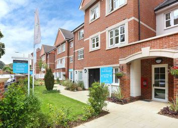 Thumbnail 2 bedroom flat for sale in St. Lukes Road, Maidenhead