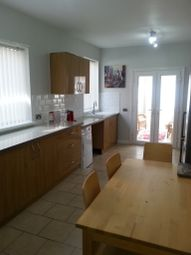Thumbnail 3 bedroom terraced house to rent in Kings Bench Street, Hull