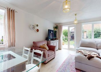Grenville Way, Thame OX9. 2 bed terraced house