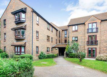 Ballinger Court, Halsey Road, Watford, Hertfordshire WD18. 3 bed flat