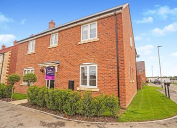 Thumbnail 4 bed detached house for sale in Top Farm Avenue, Navenby