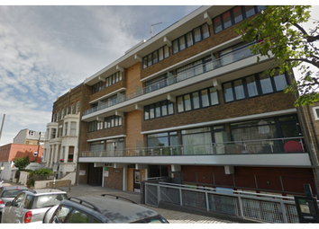 Thumbnail 2 bed flat to rent in Stormont Road, Battersea And Clapham, London