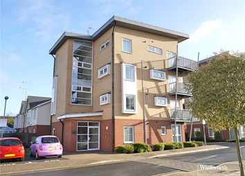 Thumbnail 2 bedroom flat to rent in Whitehall Close, Borehamwood, Hertfordshire