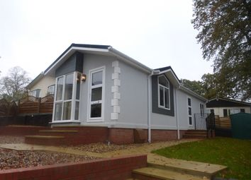 Thumbnail 2 bedroom mobile/park home for sale in The Paddock, Westgate Park, Sleaford