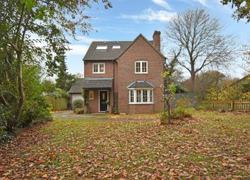 Thumbnail 5 bed detached house for sale in Simmons Field, Thatcham