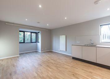 2 bed flat to rent in Bushey Grove Road, Bushey WD23