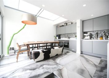 Thumbnail 2 bed flat to rent in Featherstone Street, Clerkenwell