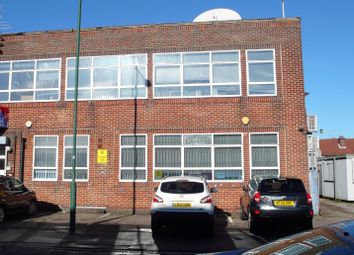 Thumbnail Warehouse to let in Carlisle Road, Colindale London