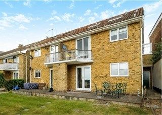 Thumbnail 2 bed flat for sale in Green Lane, Hamble