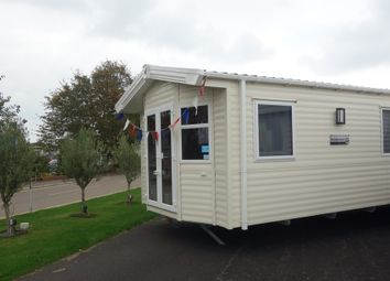 Thumbnail 2 bedroom mobile/park home for sale in Coast Road, Corton, Lowestoft