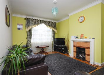 1 bed flat for sale in Park Avenue, London NW2