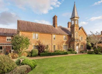 The Stables, Walpole Court, Puddletown, Dorchester DT2. 2 bed flat for sale