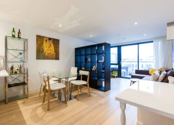 Commercial Street, Aldgate, London E1. 3 bed flat for sale