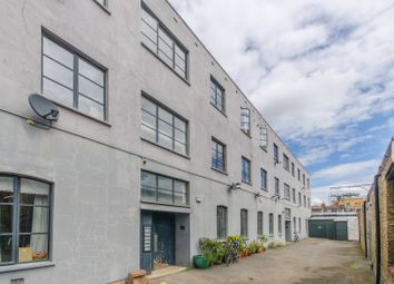 Thumbnail 2 bed flat to rent in Sternhall Lane, Peckham
