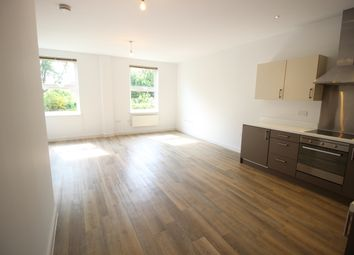 Thumbnail 1 bed flat to rent in Strawberry Hill, Newbury