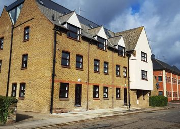 Thumbnail 2 bed flat to rent in Glebe Road, Chelmsford