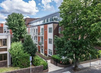 Knoll Rise, Orpington, Kent BR6. 2 bed flat for sale