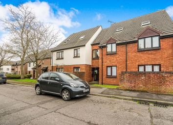 Thumbnail 2 bedroom flat to rent in Windrush Drive, High Wycombe