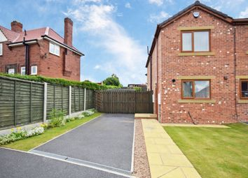 Thumbnail 2 bed town house for sale in Woollin Avenue, Tingley, Wakefield