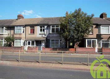Thumbnail 2 bed flat to rent in Waterloo Road, Romford