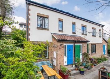Lansdowne Wood Close, West Norwood, London SE27. 2 bed property for sale