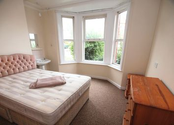 Thumbnail Room to rent in Goldcroft, Yeovil