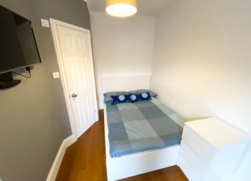 Thumbnail 1 bed terraced house to rent in Clifton Street, Reading