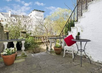 Thumbnail 2 bed flat to rent in Lansdowne Crescent, Notting Hill, London