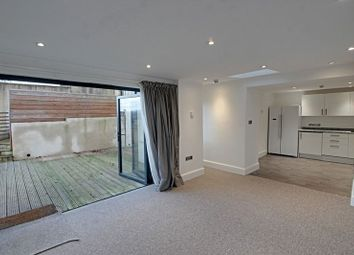 Thumbnail 1 bed flat to rent in Calton Road, Bath