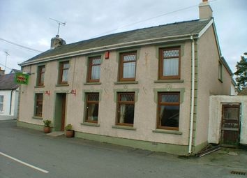 Thumbnail Commercial property for sale in Cefn Hafod Inn, Gorsgoch, Llanybydder, Ceredigion