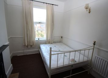 Thumbnail 4 bed flat to rent in Victoria Road North, Southsea