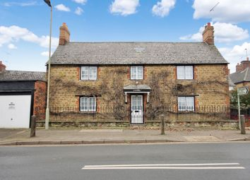 Thumbnail 3 bed detached house for sale in Lechlade Road, Faringdon