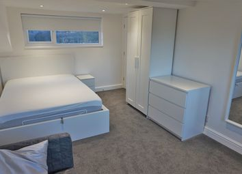 Thumbnail Studio to rent in Holmsley Walk, Woodlesford, Leeds