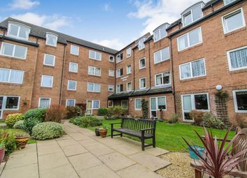 Thumbnail 1 bedroom flat for sale in Homebrook House, Cardington Road, Bedford