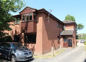 Thumbnail 1 bed flat to rent in Manchester Drive, Leigh-On-Sea