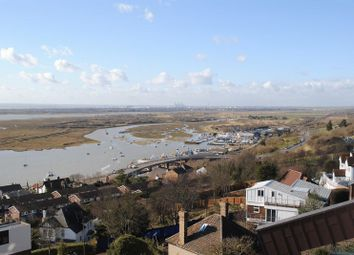 Thumbnail 1 bed flat to rent in Broadway West, Leigh-On-Sea