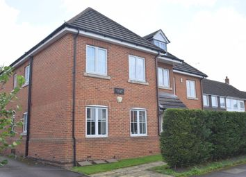 Thumbnail 2 bedroom flat for sale in Clarence Road, Fleet